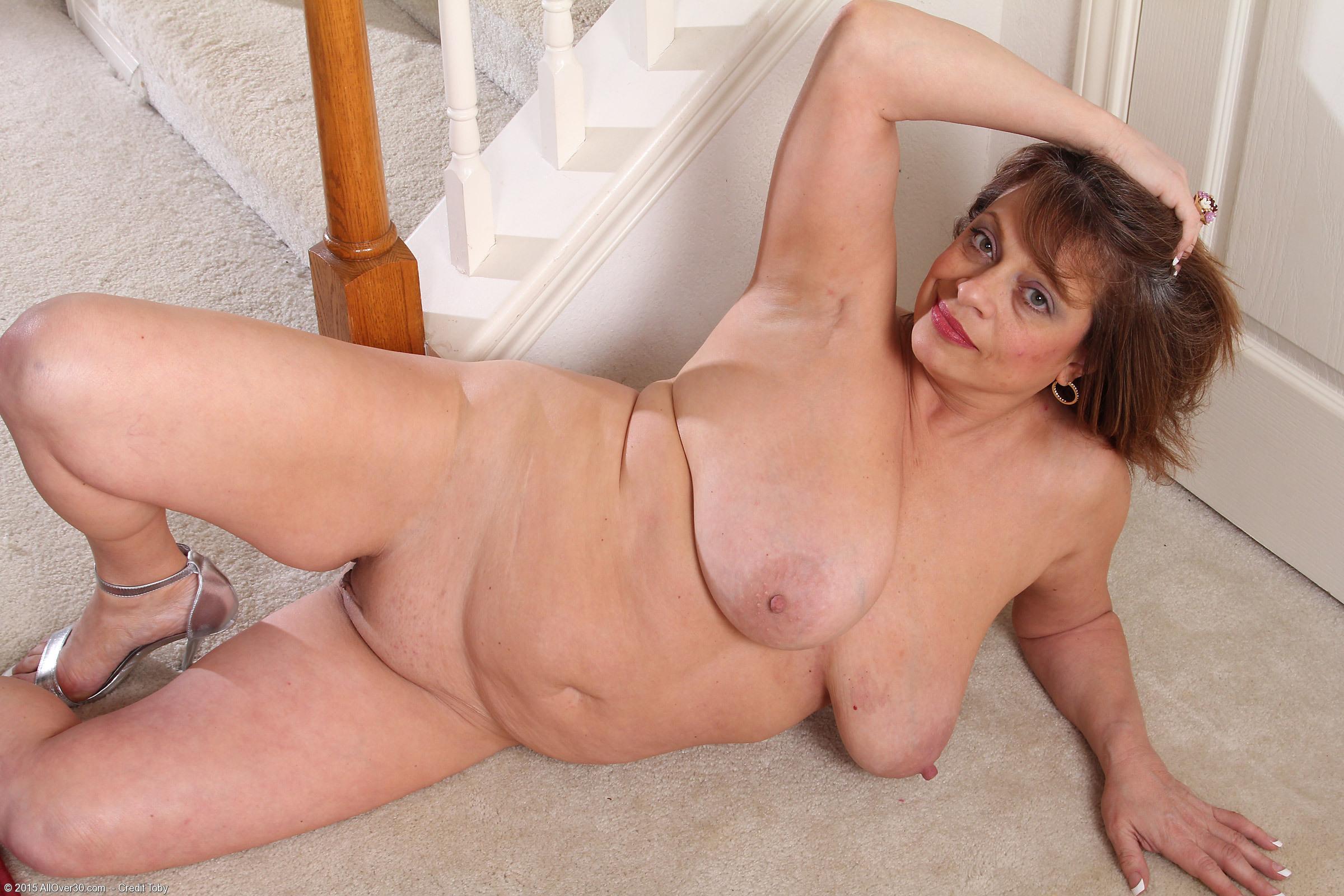 Nude Mature Porn, Mature Porn Galleries, Naked Women Pics